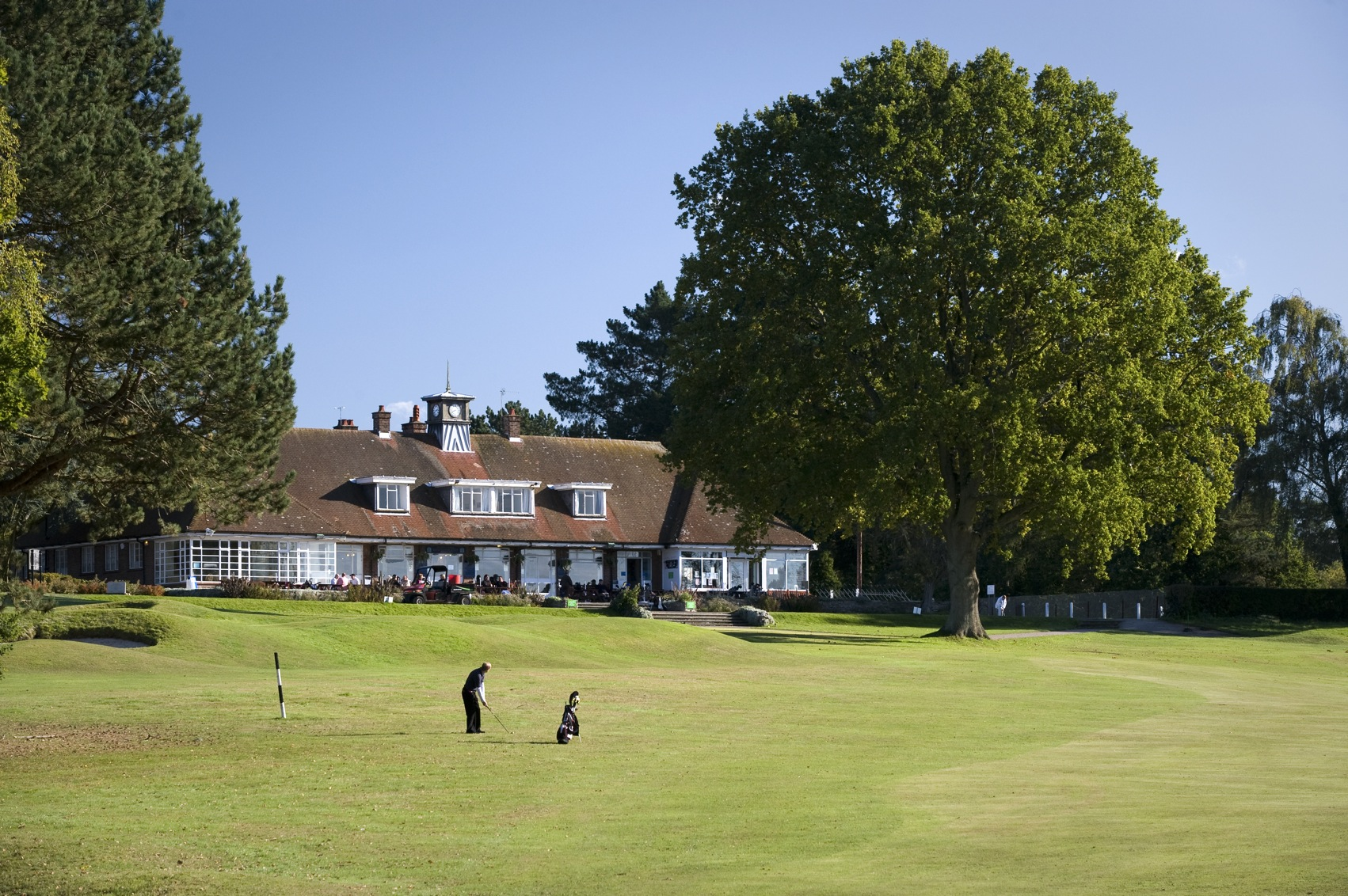 clubhouse-from-18th